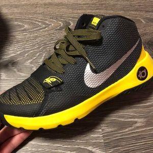 KD Trey 5 III Kids Size 6Y Black Yellow